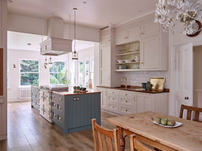 eclectic-victorian-kitchen-in-surrey-by-woodstock-furniture-the-decorcafe-network