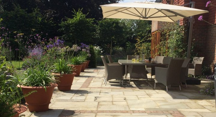 Decorcafe_expert_Amy_Hannigan_Garden_Design_surrey